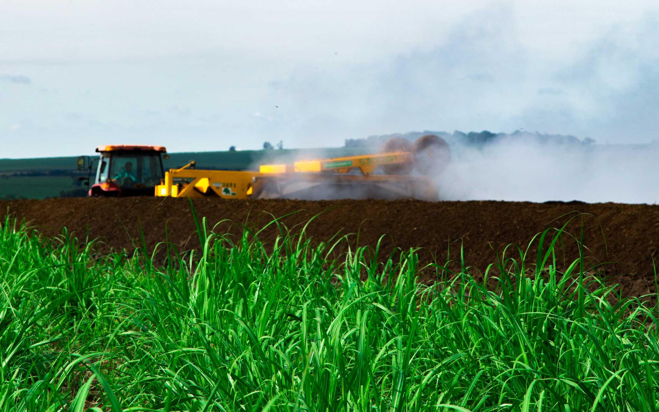 Agro fotografia - Processo de revolvimento